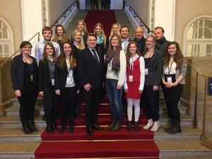 Besuchergruppe in München: Würzburger Stipendiaten besuchen Landtag und Justizpalast
