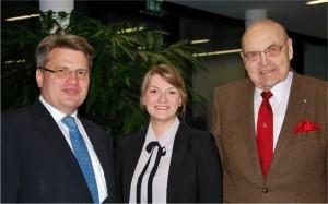 Prof. Dr. Winfried Bausback mit Landtagskollegin Judith Gerlach und Wilfried Scharnagel